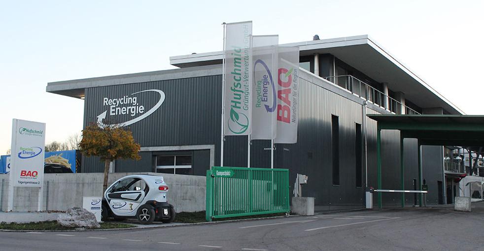 Die Recycling Energie AG im aargauischen Nesselnbach wandelt Speiseabfälle aus den Agglomerationen in Biogas, Strom und Wärme um. Bild: Recycling Energie AG
