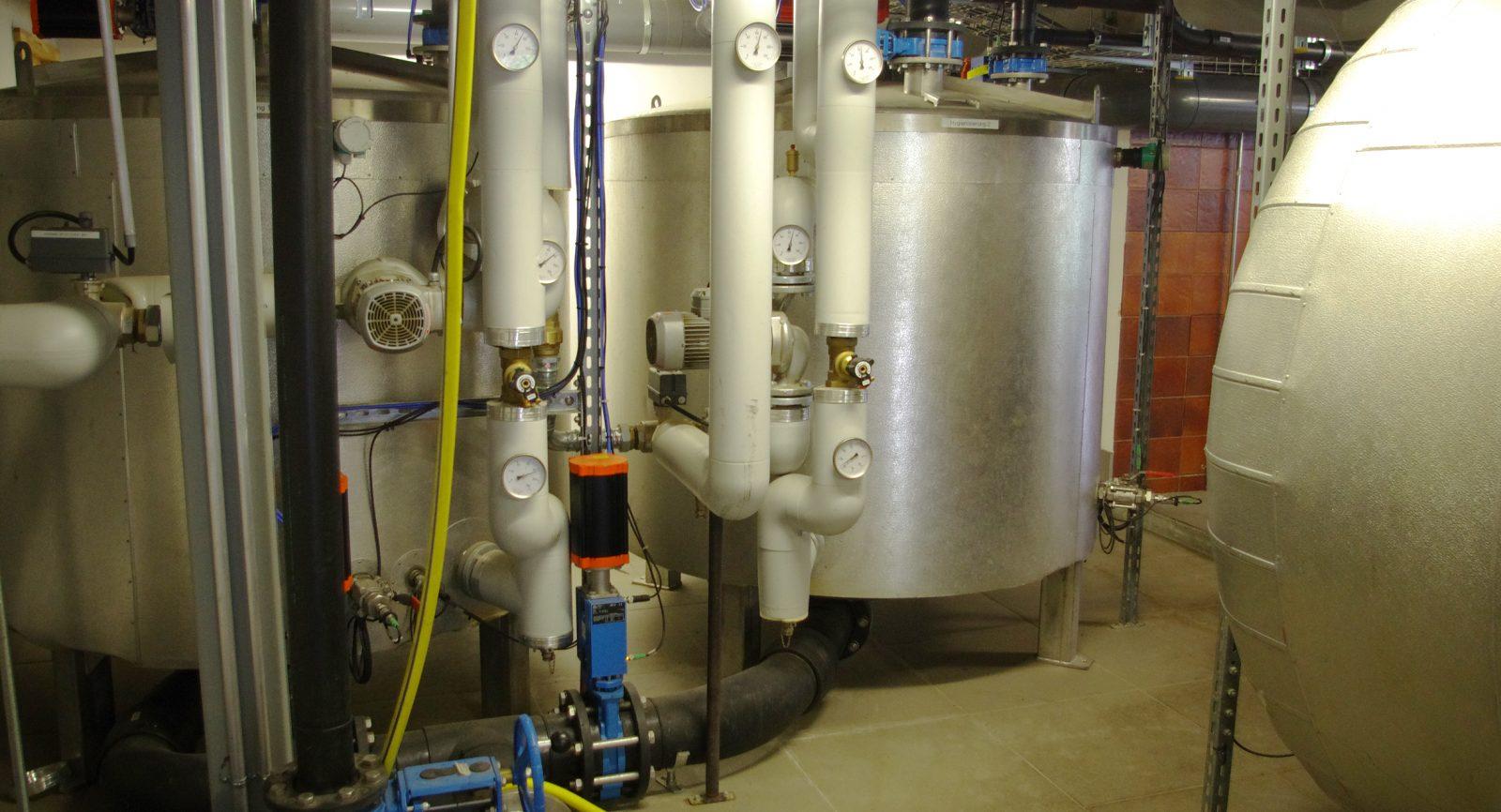 Durch die Hygienisierung der Speiseabfälle wird eine Nutzung der später anfallenden Flüssigdünger und Komposterde optimiert.