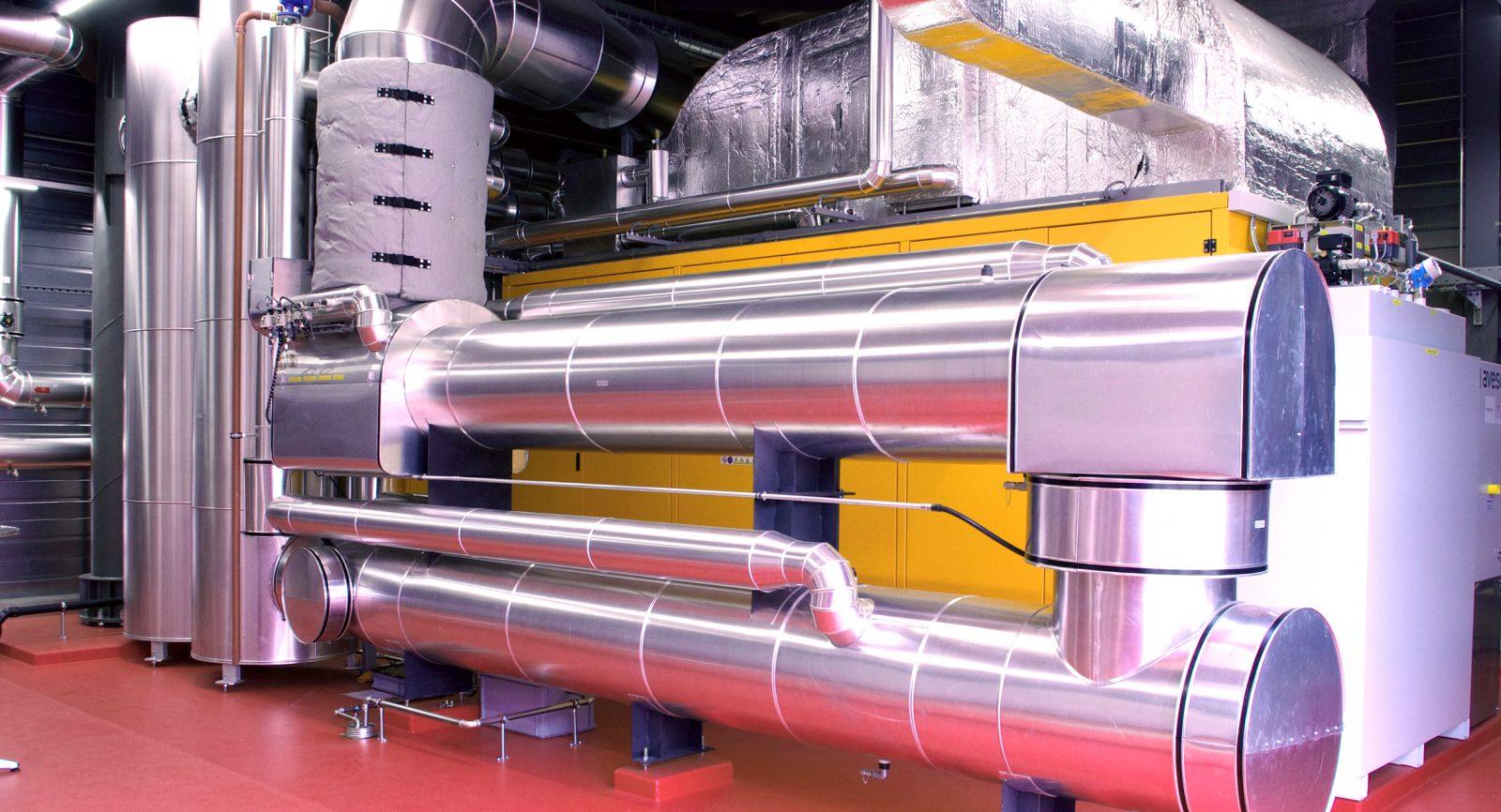 Das Blockheizkraftwerk bietet Maximalleistungen von 1600 kW thermisch und 1000 kW elektrisch.