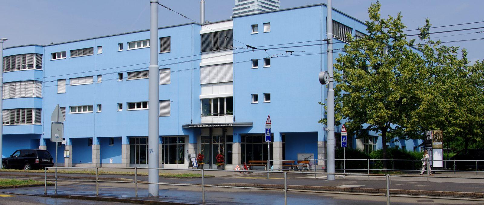 Die zuverlässige Versorgung mit Wärme und Strom stellt eine wichtige Grundlage für die alltäglichen Aufgaben im Alterszentrum Alban-Breite dar.