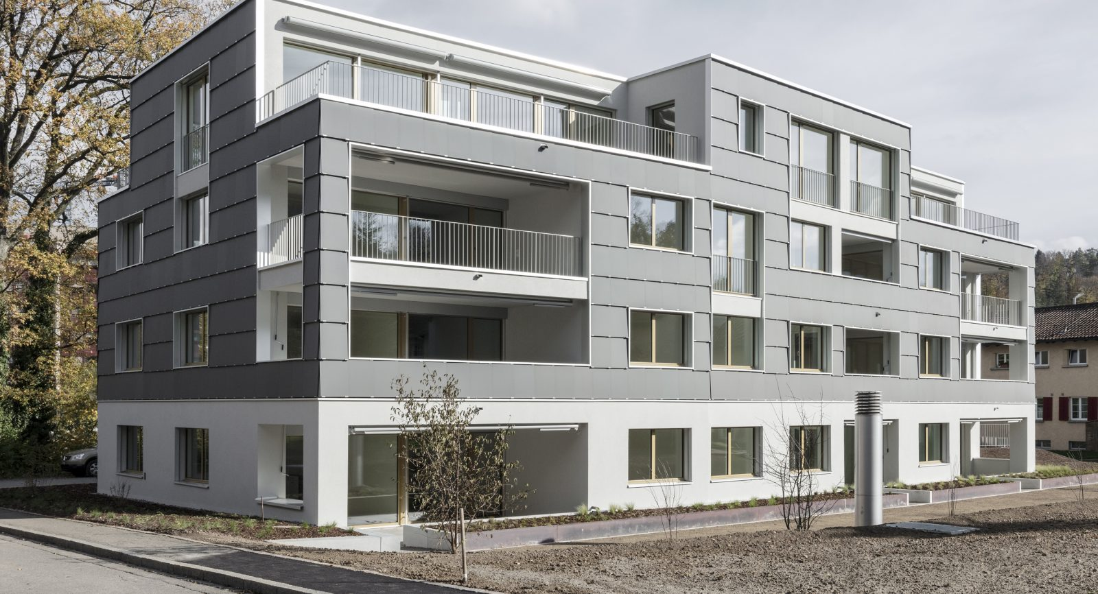 Im solaren Mehrfamilienhaus in Zürich-Leimbach hat die Umwelt Arena Schweiz ihr zweites Leuchtturmprojekt verwirklicht – hier mit der Hybridbox.