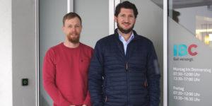 Stefan Illien (rechts) und Ingmar Barsch sind sowohl für die weitere Entwicklung der Churer Wärmenetze als auch für deren effizienten Betrieb verantwortlich.