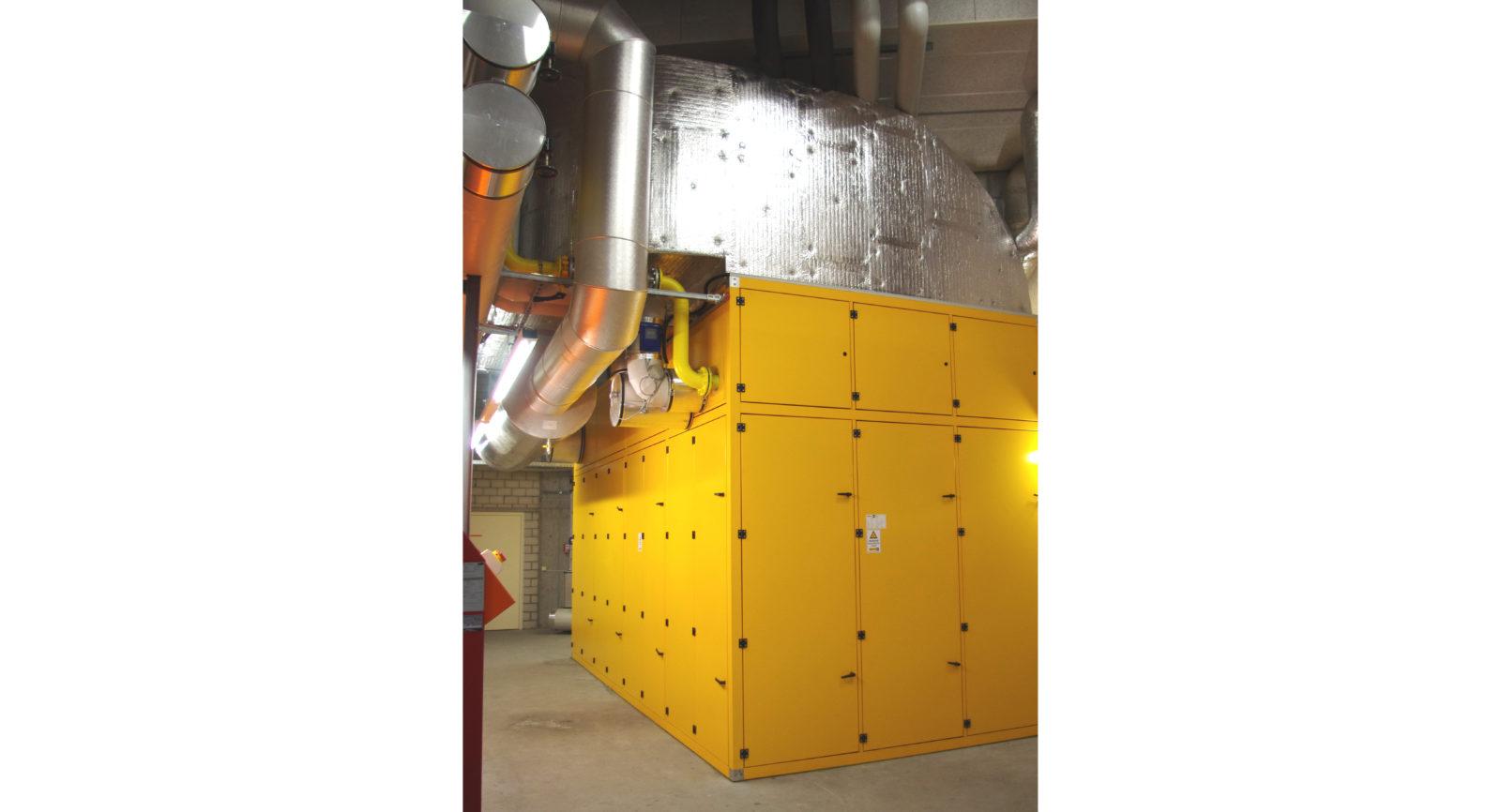 Das BHKW arbeitet mit Erdgas, das bereits heute einen Anteil von 15 Prozent Biogas enthält.