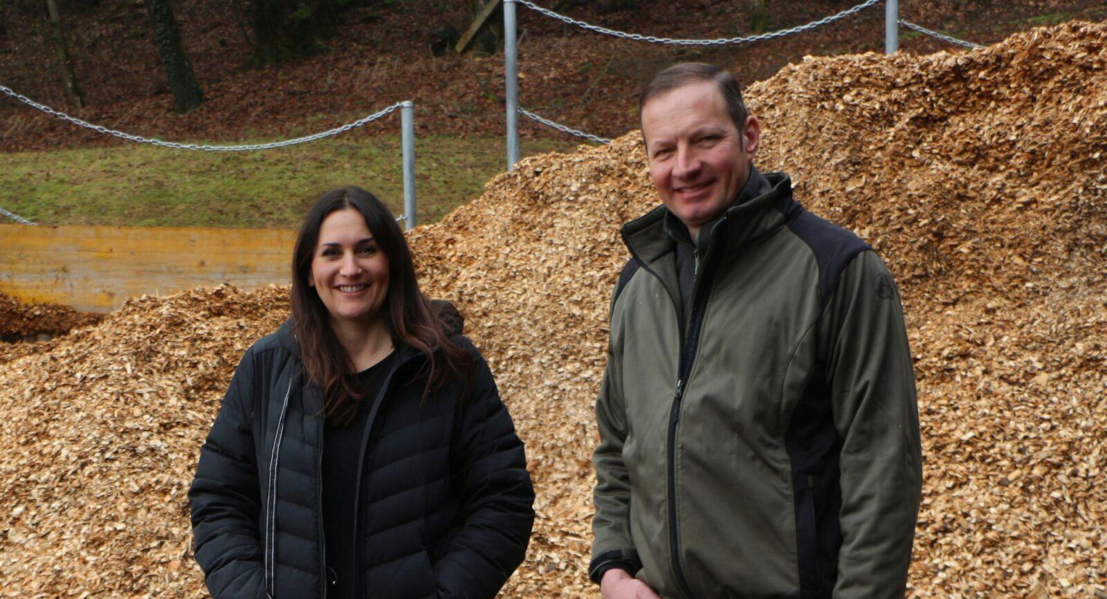 Wer zuletzt lacht, lacht am besten: Das Betriebsleiter-Ehepaar Andrea und Christian Müller zeigten mit ihrem Biogasanlage-Projekt viel Geduld, Mut und unternehmerisches Risiko.